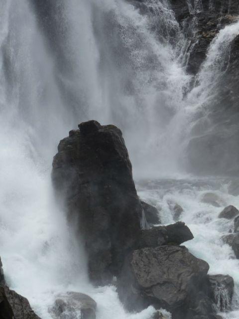 trollstigen waterfall 2